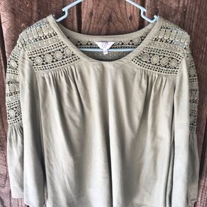 Crown and Ivy Petite small blouse boho